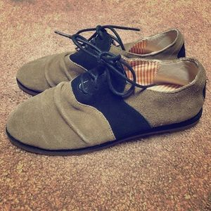 Shoes - 80%20% Oxfords